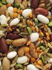 Alubias con maíz y lentejas - foto de stock