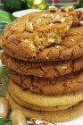 Куча домашнего американского печенья — стоковое фото