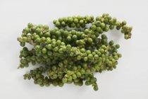 Grappes de poivre vert frais — Photo de stock