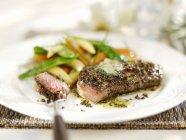 Gepfefferter Steak gegrillt — Stockfoto