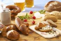 Натюрморт с хлебом — стоковое фото
