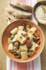 Pasta con verdure grigliate e parmigiano — Foto stock
