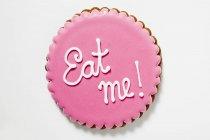 Biscuit au glaçage rose — Photo de stock