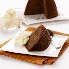 Budino al cioccolato con panna — Foto stock