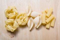 Différents types de pâtes — Photo de stock
