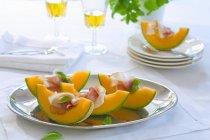 Melone con antipasti di prosciutto — Foto stock