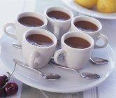 Mousse au Chocolat in Kaffeetassen — Stockfoto