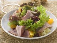 Листья салата с утка — стоковое фото