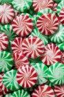 Червоний і зелений з білим Peppermints — стокове фото