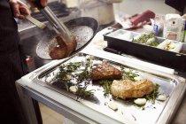 Viande de Ried sur plateau — Photo de stock