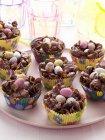 Caramella di Pasqua nidifica in fodere Cupcake — Foto stock