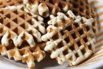 Vista del primo piano di Pizzelle waffle heap — Foto stock