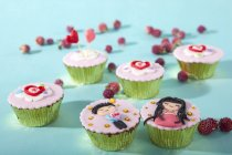 Colorful cupcakes decorated for Valentines day — Stock Photo
