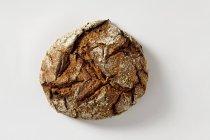 Pane tirolese su bianco — Foto stock