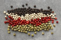 Pepe in grani colorati secchi — Foto stock