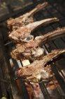 Costolette di agnello sulla griglia del barbecue — Foto stock