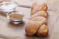 Ciambella zuccherata Twist — Foto stock