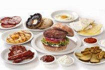 Hamburger con vari ingredienti — Foto stock