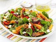 Piatto colorato di insalata — Foto stock