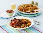 Closeup vista do Jambalaya com arroz e frango — Fotografia de Stock