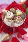 Caramelos de chocolate surtidos - foto de stock