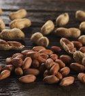 Arachidi, sgranato e sgusciato — Foto stock