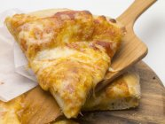 Pizza pomodoro e formaggio — Foto stock