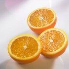 Moitiés d'orange douce — Photo de stock