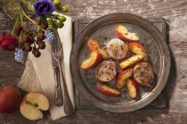 Печені свинини філе з apple — стокове фото