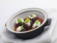 Мясные шарики с сыром моцарелла — стоковое фото