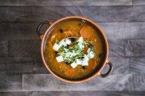 Чечевичный суп с морковью — стоковое фото