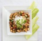 Фасоль с перцем чили — стоковое фото