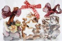 Bolsas de celofán de regalos de Navidad - foto de stock