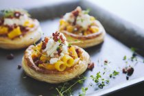 Puff pastry tartlets — Stock Photo