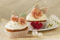 Кексы, выполненный для свадьбы — стоковое фото