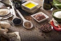 Épices et herbes orientales — Photo de stock