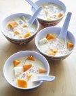Soupe de noix de coco sucrée — Photo de stock