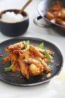 Gamberi con riso e sambal — Foto stock