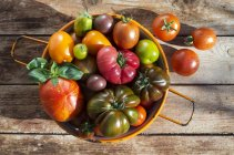 Verschiedene bunte Tomaten — Stockfoto