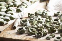 Ortie piquante gnocchi pâtes — Photo de stock
