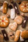Snacks de pain d'épice sur le sac — Photo de stock