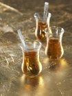 Окуляри турецьким чаєм — стокове фото