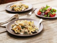 Oven-baked chicken with cavatappi pasta — Stock Photo