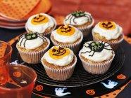 Cupcakes di Halloween con la glassa — Foto stock