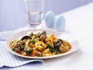 Camarão e cogumelo curry com arroz — Fotografia de Stock
