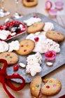Meringues et biscuits colorés — Photo de stock