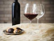 Фужери з червоним вином — стокове фото