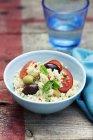 З оливками, помідори і м'ятна Кус-кус — стокове фото