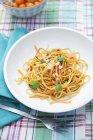 Pasta degli spaghetti con verdure — Foto stock