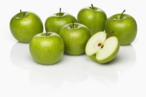 Свежие яблоки бабушки Смит — стоковое фото